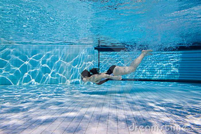 La piscina historia de reflexi n for Cuando abren las piscinas