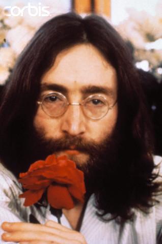 """""""Deshazte de las posesiones de tu mente, dijo Buda"""" citó John cuando un periodista lo cuestiono acerca de su canción """"Imagine"""" o """"Imagina"""" en español"""
