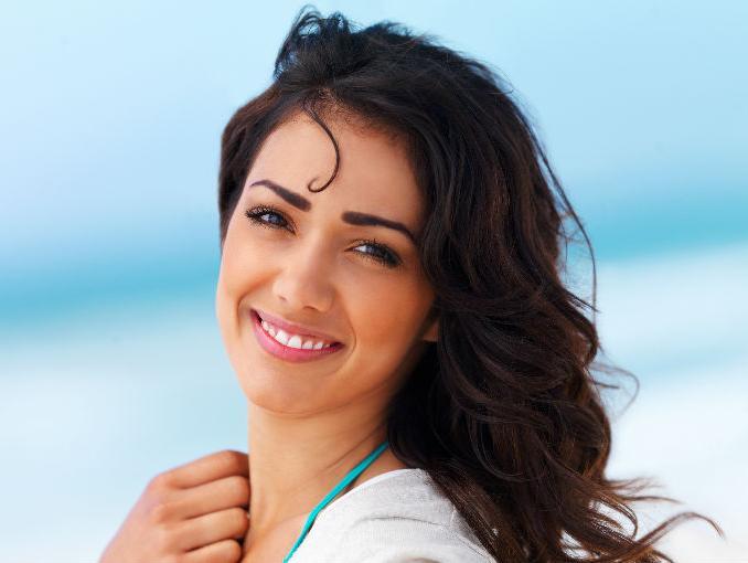 mujer-sonriendo-plena